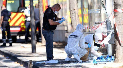 Mindestens ein Toter: Auto rast in Marseille in zwei Bushaltestellen