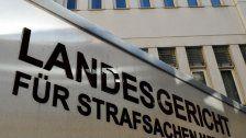 Massenquartier für Flüchtlinge: Prozess