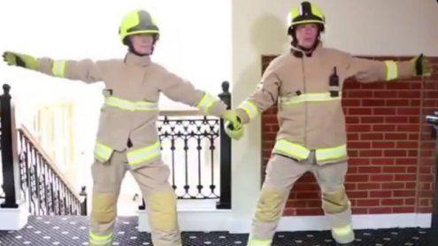 """""""Dirty Dancing""""-Parodie der Feuerwehr wird zum viralen Hit"""