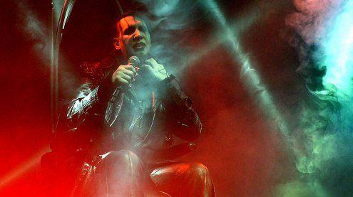 Marilyn Manson lieferte trotz Rollstuhl kraftvolles Konzert ab