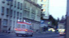 74-Jährige bei Unfall in Auto eingeklemmt