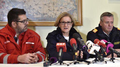 Explosion in Gasstation in NÖ: Mikl-Leitner besucht Unglücksort