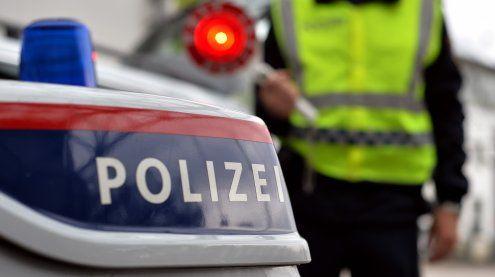 PKW-Lenker erhielt Strafzettel: Polizeibeamter mitgezogen