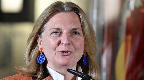 Außenministerin Kneissl verblüfft mit ihren Arabisch-Kenntnissen