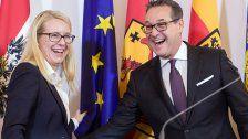 EU-Flaggenmast fiel Strache fast auf den Kopf