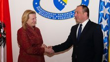 Kneissl: Strache-Aussagen kein Thema in Bosnien