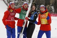 Österreichs Skispringer im Team 4., Norwegen holt Gold