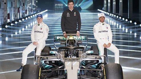 Formel 1: Ferrari und Mercedes stellten die neuen Autos vor