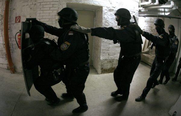 Bewaffneter Banküberfall in Wien-Favoriten löste Großeinsatz der Polizei aus