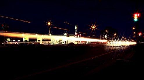 Bewaffnet und maskiert: Männer überfielen eine Wiener Tankstelle
