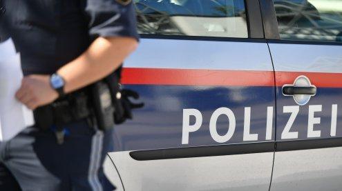 Frau angefahren: Fahrer flüchtet nach Unfall in Wien-Floridsdorf