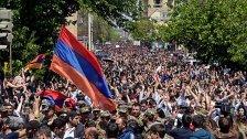 Armenien: Soldaten bei Protest gegen Regierung