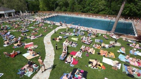 Wiener stürmten am Samstag das Schönbrunner Bad in Hietzing