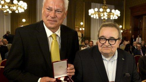 Goldenes Verdienstzeichen der Stadt Wien für Spiegel und Polster