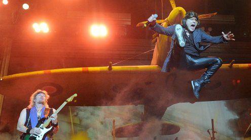 Iron Maiden lieferte Heavy Metal-Spektakel zum Abschluss des NR